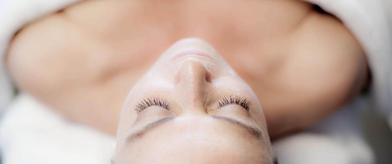 Gezichtsbehandeling - Face & Body Lounge